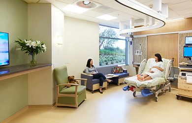 First-Class Care for Women   UCSF Medical Center at Mission Bay
